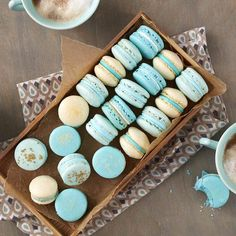 These Elegant French Macarons are simply magnifique! A sweet treat that will give you a little taste of Parisian living, this easy macaron recipe is best enjoyed with a nice cup of cappuccino or café au lait. French Macaroon Recipes, French Macaroons, Blue Macaroons, Imagenes Color Pastel, Homemade Macarons, Macaroon Cookies, Shortbread Cookies, Edible Paint, Macaron Recipe