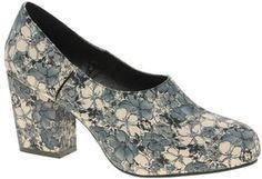 ASOS – STARLING – Schuh mit Blockabsatz und hohem Blatt auf ShopStyle