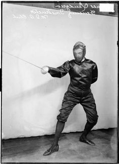 N. I. A. club fencing instructor James Lundgren in Chicago, 1907. Photography by Chicago Daily News, Inc. ICHi-51770 #fencing #sports #Chicago #history #photography