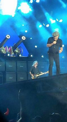 Cliff and Brian Ac Dc Rock, Bon Scott, Brian Johnson, Angus Young, Greatest Rock Bands, Photo Logo, Rock Legends, Blues Rock, Rockers