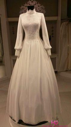 Essmira 2015 ve 2016 Turkey Winter Wedding Dress Muslim Wedding Dresses, Bridal Dresses, Bridesmaid Dresses, Moda Vintage, Classic Wedding Dress, Special Dresses, Beautiful Gowns, Turban, Dream Dress