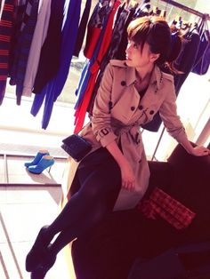Youn-a Jacket Style, I Fall In Love, Jackets For Women, Chiffon, Street Style, Cool Stuff, Lady, Coat, How To Wear