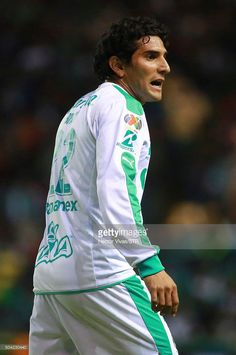 martin-bravo-of-santos-laguna-reacts-during-the-1st-round-match-leon-picture-id504230440 (680×1024)