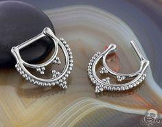 Steel Trio Cluster Beaded Septum Clicker Septum Jewelry, Body Jewelry, Septum Clicker, 316l Stainless Steel, Belt, Jewels, Gauges, Piercings, Accessories