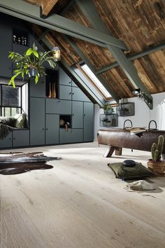 Top Bungalow Home Renovation Ideas Style At Home, Interior Architecture, Interior And Exterior, Modern Barn House, Casas Containers, Bungalow Homes, Inside Home, Loft House, Bedroom Flooring