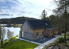 Have a look at a selection of stunning photos of various R.House projects, which have been built on Skye and across Scotland. Wooden Architecture, Architecture Details, Wester Ross, Small Wooden House, Modern Small House Design, House Cladding, House Extension Design, Rural House, Into The West
