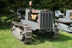 #ThrowbackThursday vintage #Caterpillar 2-ton crawler tractor