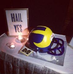 Awesome Michigan wedding cake! #HailYes! Michigan Football Helmet, U Of M Football, Football Helmets, Michigan Quotes, Wedding Details, Wedding Ideas, Go Big Blue, When I Get Married, Blue Weddings