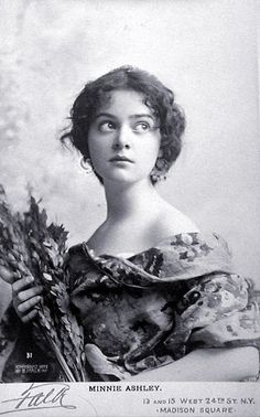Women of The Past - 113519805067624754859 - Picasa Web Albums