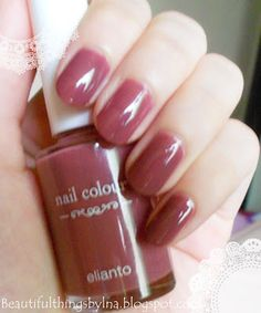 Autumn-ish   Swatches by using Elianto Light Coral.