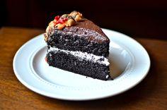 Yammie's Glutenfreedom: Devil's Food Cake  http://www.yammiesglutenfreedom.com/2012/10/devils-food-cake.html