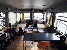 Houseboat living on the river Seine in Paris. Via French by Design with thanks Mini Loft, Yacht Design, Boat Interior, Interior And Exterior, Barge Interior, Airstream Interior, Small Living, Living Spaces, Dutch Barge
