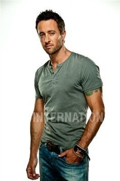 Alex o photoshoot for men's health, seriously? Thud!