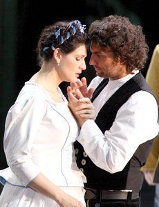 onas Kaufmann as Lohengrin and Anja Harteros as Elsa in Act 3 of Wagner's Lohengrin