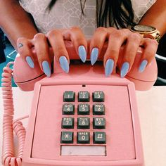 Retro Light Blue Pointed Nails