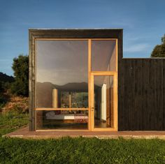 Image 3 of 23 from gallery of La Campana House / Alejandro Dumay + Francisco Vergara A. Facade Architecture, Residential Architecture, Contemporary Architecture, Residential Building Design, Modern House Design, Chile, Arthur Read, Steig, Central Valley