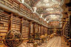 Klementinum: Uma das Mais Belas Bibliotecas do Mundo! Localizada em Praga, capital da República Tcheca, o complexo arquitetônico barroco que abriga a Biblioteca Klementinum é um dos mais belos exemplos deste estilo.