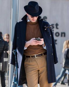 Men's Fashion - billy-george: Badass source: billy-george on. Pretty Much, Style Snaps, Fine Men, Mens Fashion, Fashion Outfits, Winter Looks, Mens Clothing Styles, Dapper, New Look