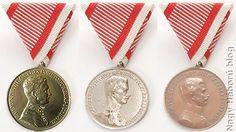 Arany, Ezüst és Bronz Vitézségi Érmek. - Gold, Silver and Bronze medal for bravery. Wwi, Austria, Decoration, Blog, Jewelry, Decor, Jewlery, Jewerly, Schmuck