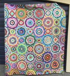 Wendy's Quilts and More: Cobweb Quilt update Quilting Blogs, Hand Quilting, Circle Quilts, Quilt Top, Patchwork Patterns, Quilt Patterns Free, Millefiori Quilts, String Quilts, Foundation Paper Piecing