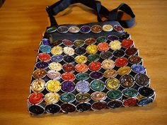 Fimo Manualidades: BOLSO CON CAPSULAS DE NESPRESSO Recycled Jewelry, Recycled Art, Diy Nespresso, Recycling, Pumpkin Spice Coffee, Cup Crafts, Coffee Painting, Coffee Pods, Coffee Beans