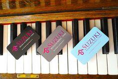 tarjetas_sobre_piano