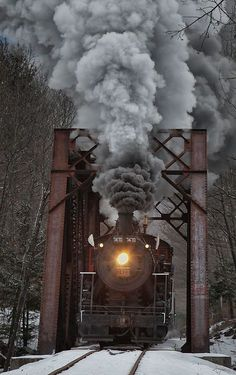 Steam Locomotive in North Conway, New Hampshire, U.S (by Kathleen Clemons on Conway Scenic Railroad - fun for the whole family Image Train, By Train, Train Tracks, Train Rides, Train Art, Motor A Vapor, U Bahn Station, Train Miniature, Old Trains