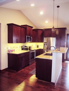Custom home kitchen completed by T&E Construction, Inc.
