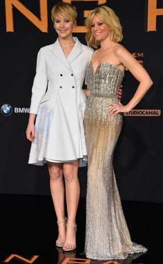 Jennifer Lawrence and Elizabeth Banks look beautiful at the German premiere of Catching Fire! #fashion