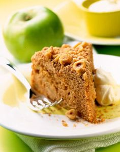 Bramley Apple and Cinnamon Crunch Cake | Bramley Apples