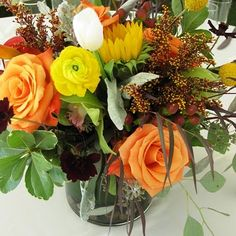 Fall Wedding Centerpiece Keywords: #weddings #jevelweddingplanning Follow Us: www.jevelweddingplanning.com  www.facebook.com/jevelweddingplanning/