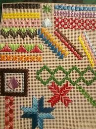Discover thousands of images about Mostruário Swedish Embroidery, Hardanger Embroidery, Hand Embroidery Stitches, Cross Stitch Embroidery, Embroidery Patterns, Broderie Bargello, Bargello Needlepoint, Needlepoint Stitches, Plastic Canvas Stitches