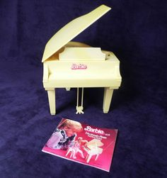 Barbie 1981 Cream color Electronic Piano with bench cover Works!