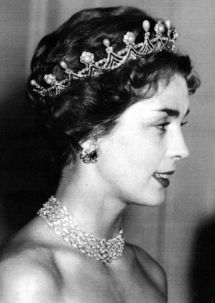 Duchess Jane Buccleuch and Queensbury's belle epoque diamond and pearl tiara. Designed as a series of diamond garlands, set on a platinum and diamond band, with button pearl clusters, interspersed with diamond spacers topped with upright pear-shaped natural pearls.