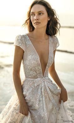 Dream Wedding Dresses, Bridal Dresses, Dress With Bow, White Dress, Pretty Dresses, Beautiful Dresses, Bridal Collection, Bridal Style, Dream Dress