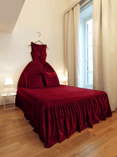 Sleeping in a Ballgown room| Maison Moschino | Milan