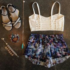 i love this outfit from American threads. the shorts are super cute
