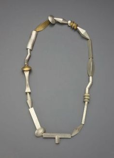 Necklace -LINDA THREADGILL, American, born in 1947   Museum of Fine Arts, Boston