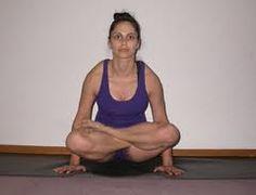 Tolasana from Despina Rosales » Yoga Pose Weekly