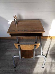 Un pupitre relooké - Patines & Couleurs School Desks, Vintage School, Drafting Desk, Baby, Furniture, Home Decor, Colors, Home, Decoration Home