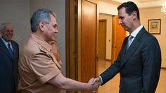 Ministro de Defensa ruso inspecciona base aérea en Siria; se reúne con el presidente Assad