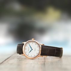 Love the craftsmanship of this men's luxury watch from Corniche. It's a quality Swedish brand.