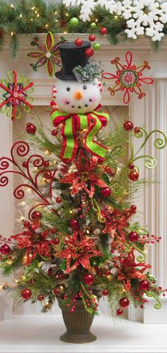 Christmas Tree ● Poinsettia  Snowman, would make a |0VELY dining room centerpiece :) !!!