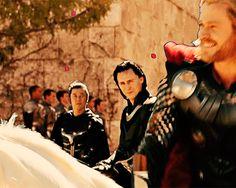 Just Tom Hiddleston Loki Gif, Thor Y Loki, Loki Avengers, Marvel Funny, Marvel Memes, Marvel Avengers, Marvel Comics, Thomas William Hiddleston, Tom Hiddleston Loki
