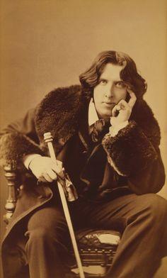 Oscar Wilde by Napoleon Sarony, 1882 |