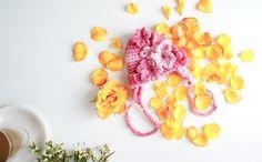 PETIT MORICZ Bebe: Rose 3D Flowered Newborn Baby Girl Earflap Hat
