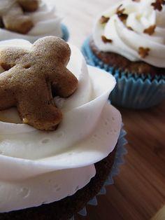 gingerbread cupcakes - bakedbyrachel.com