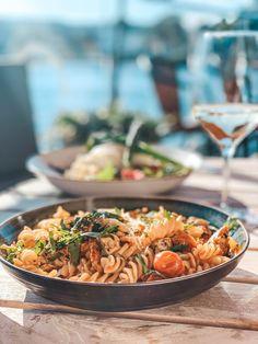 Bursdag og 150.000 følgere på samme dag?! - Eileen Stulen Pasta Salad, About Me Blog, Ethnic Recipes, Food, Crab Pasta Salad, Meals, Noodle Salads, Yemek, Eten