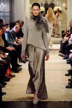 Ralph Lauren Pre-Fall 2014 - Runway Photos - Fashion Week - Runway, Fashion Shows and Collections - Vogue Grey Fashion, Look Fashion, High Fashion, Winter Fashion, Fashion Show, Womens Fashion, Fashion Design, Fashion Trends, Street Fashion