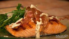 Trancio di salmone grigliato e speck croccante